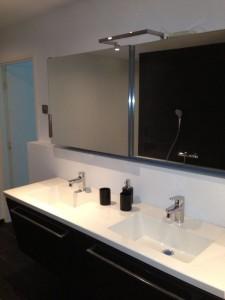 Badkamer volledig gebouwd, betegeld en afgemonteerd
